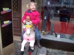 Op een hobbelpaard, Idar-Oberstein, Duitsland
