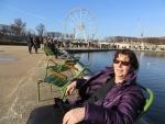 In het zonnetje aan het Bassin Octagonal, Parijs