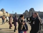Voor het Louvre, Parijs