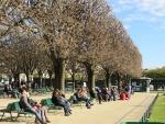 Lekker in het zonnetje, Parijs, Parijs