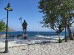 Standbeeld in Kotronas, Griekenland