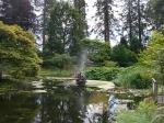 Vijver in de botanische tuin van Benmore, Schotland