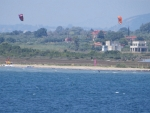 Vliegeren op het strand, Griekenland