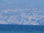 We zien Sarandë in Albanië liggen, Griekenland