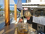 Een erg vieze milkshake in Roda, Griekenland