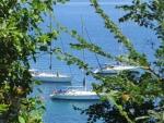 Zeilboten voor de kust van Korfoe, Griekenland