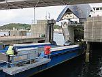 Het ontschepen van de ferry in Oban, Schotland