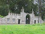 Poort buiten Glamis kasteel, Schotland