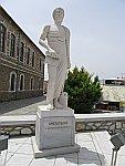 Standbeeld van Aristoteles in Polygyros, Griekenland