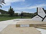 Gedenkteken voor een helicoptercrash in 2004, Griekenland