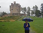 Het regent bij Braemar kasteel, Schotland