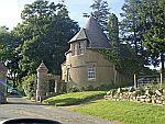 Gatelodge langs de A944 bij Auchintoul, Schotland