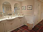 Luxe wc in Ballindalloch kasteel, Schotland