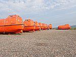 Reddingsvaartuigen bij Cove Bay, Schotland