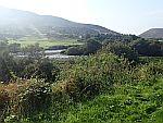 De A897 langs de Helmsdale rivier, Schotland