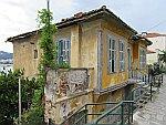 Vervallen huis in Kavala, Griekenland