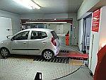 Onze auto wordt letterlijk weggesluisd, Thessaloniki, Griekenland