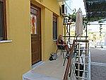 Op ons balkon bij Studios Gagos, Thassos, Griekenland
