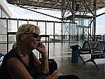 Wachten op het vliegveld in Thessaloniki, Griekenland