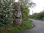 Uitgesneden boomstronk in de buurt van Kingoodie, Schotland