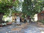 Pleintje in Tsangarada in de Pilion, Griekenland
