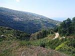 Uitzicht op Makrirrachi in de Pilion, Griekenland