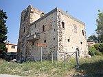 Middeleeuwse toren in Rovies, Griekenland