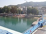 Op de ferry in Edipsos, Griekenland