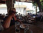 Ontbijten in Limni Keri op Zakynthos, Griekenland