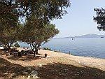 Uitzicht op het eiland Marathonisi, Griekenland