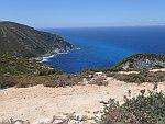 De kust bij het Navagio strand, Griekenland