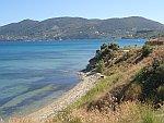 De kust bij Agios Sostis, Griekenland
