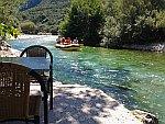 Varen op de rivier de Acheron, Griekenland