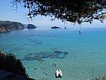 Uitzicht op de baai bij Skala strand, Griekenland