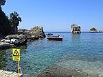 Rotseilandjes voor de kust van Parga, Griekenland