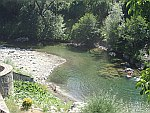 De Aoos rivier in Vovousa, Griekenland