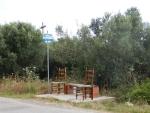 Bushalte op de weg naar Nea Kallikrateia, Griekenland