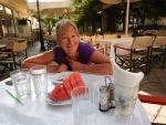 Toetje na het diner in Poligiros, Griekenland