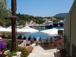 Terrasje in Fiskardo, Griekenland