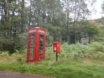 Eenzame telefooncel bij The Craigs, Schotland