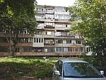 Blok D met ons appartement op de eerste verdieping, Sofia, Bulgarije