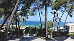 De kust bij Sani op Kassandra, Griekenland