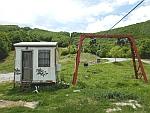 Vervallen kabelbaan bij het skioord op het Pilion schiereiland, Griekenland