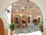 Binnenplaats van het Panagia Faneromeni klooster, Griekenland