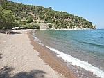 Het Limniola strand bij Methana, Griekenland