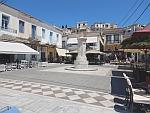 Pleintje in Poros, Griekenland