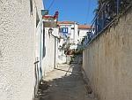 Straatje in Poros, Griekenland
