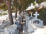 De oude begraafplaats van Andros, Griekenland