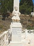 Kindergraf op de oude begraafplaats van Andros, Griekenland