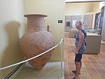 Grote amfora in het museum van Andros, Griekenland
